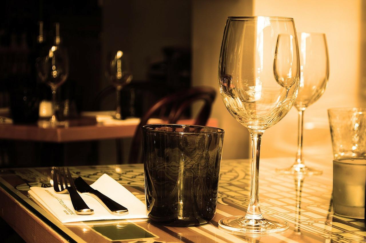 premiere idee diy pour la fete des peres un meuble pour ranger les bouteilles de vins